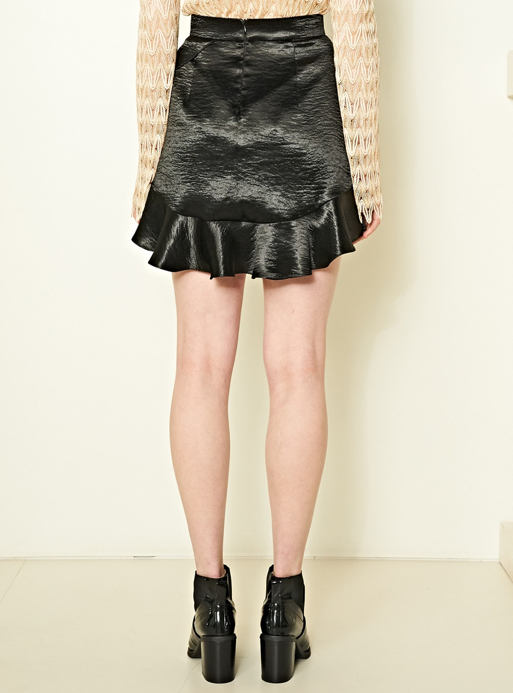 Super discount new style of 2019 quality products Metallic Ruffle Mini Skirt in Black